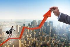 Bizneswoman wspina się kreskową mapę w problemu ekonomicznego pojęciu Fotografia Stock
