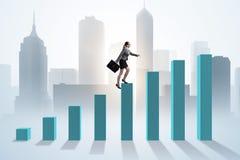 Bizneswoman wspina się prętową mapę w problemu ekonomicznego pojęciu Fotografia Royalty Free