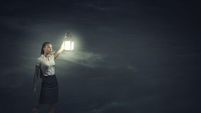 Bizneswoman z lampionem Fotografia Stock