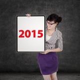 Bizneswoman z liczbą 2015 na pokładzie Fotografia Royalty Free
