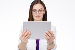 Bizneswoman z pastylka komputer osobisty Obrazy Royalty Free