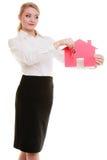 Bizneswomanu agenta nieruchomości papieru domu klucze Zdjęcia Stock