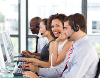 bizneswomanu centrum telefonicznego uśmiechnięty działanie Fotografia Royalty Free