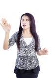 Bizneswomanu dotyk na copyspace Zdjęcia Stock