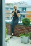 bizneswomanu kawy target409_0_ Zdjęcia Royalty Free