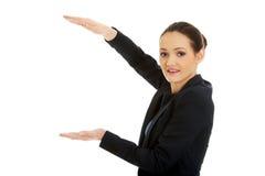 Bizneswomanu mienia kopii przestrzeń w rękach Obraz Stock