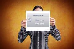Bizneswomanu mienia plakat z potwierdza pudełko znaka Obraz Royalty Free