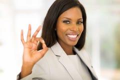 Bizneswomanu ok ręki znak Fotografia Royalty Free