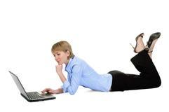 bizneswomanu piękny laptop Obrazy Stock