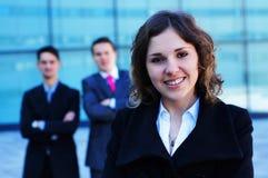 bizneswomanu przód portret jej drużyna Obraz Stock