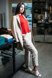 Bizneswomanu sklep odzieżowy zdjęcie stock