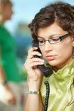 bizneswomanu telefonu potomstwa Obrazy Stock