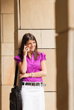 bizneswomanu telefonu potomstwa obraz stock
