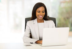 bizneswomanu używać komputera Obraz Stock