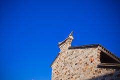 Bjälkhuvud-moment på taket av forntida byggnad av Kina Arkivfoto