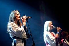 Bjorn Again (musikbandhedersgåva till ABBA) utför på den guld- nypremiärfestivalen Royaltyfria Bilder