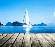 Błękitne wody ocean Obraz Royalty Free