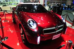 BKK - NOV 28: MG ikona, SUV pojęcia samochód na pokazie przy Tajlandia, Ja Obrazy Stock