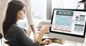 Bläddrandewebbläsaren förbinder internetorienteringsbegrepp royaltyfri bild