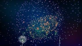 Bländande fyrverkerier utstrålar natthorisonten stock video