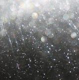 Blänka vit för abstrakt begrepp för tappningljusbakgrund och svärta defocused bakgrund Royaltyfria Foton