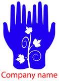 Blätter in den Händen Lizenzfreie Stockbilder