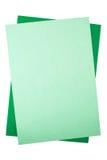 Blätter des farbigen Papiers auf weißem Hintergrund Stockfoto