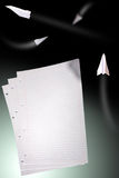 Blätter Papier mit Reihen Lizenzfreies Stockfoto
