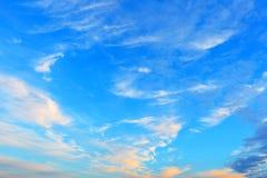 Blå aftonhimmel Fotografering för Bildbyråer