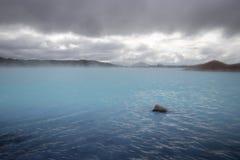 Blå alkalisk lagun på Myvatn Royaltyfri Foto