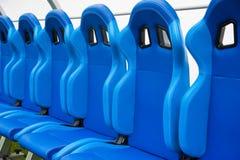 Blå bänk eller plats eller stol av personallagledaren i stadion av fooen Royaltyfria Foton