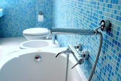 Blå badrum Arkivbild