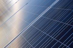 Blå bakgrund för solpanelcell Royaltyfri Bild