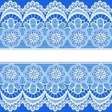 Blå bakgrund med band av snör åt och förlägger för text Arkivbild