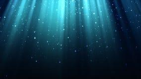 Blå bakgrund med strålar av ljus, gudomlig strålglans, mousserar, glänsande stjärnklar himmel för natten, sömlös ögla lager videofilmer