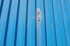blå behållare, detalj Arkivfoto