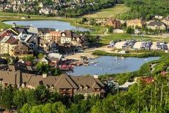Blå bergby, Ontario Kanada fotografering för bildbyråer