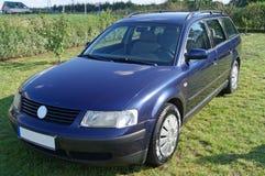 Blå bil Royaltyfri Bild