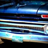 blå bilclassic royaltyfri fotografi