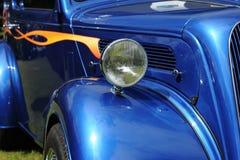 blå bilclassic Arkivfoto