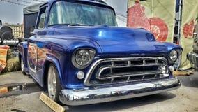 Blå biluppsamling för amerikan på den motoriska showen Arkivbilder