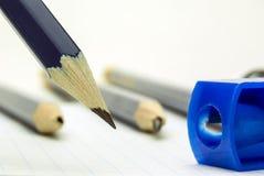 blå blyertspennasharp Royaltyfri Foto