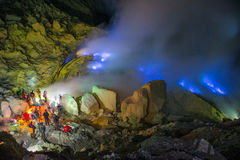 Blå brand, Kawah Ijen vulkan Royaltyfri Bild