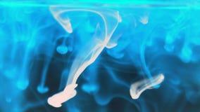 blå brandogenomskinlighet Arkivbilder