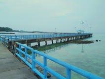 blå bro royaltyfri foto