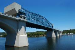 blå bro arkivfoto