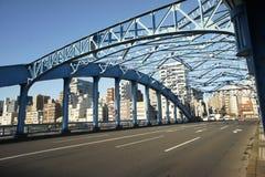 Blå bro Asakusa Tokyo Arkivbild