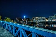 Blå bro i Berlin Tegel royaltyfri fotografi