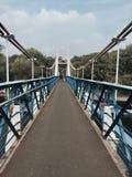 Blå bro på Richmond, London Arkivbild