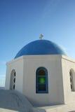 blå byggnad mig traditionell white för santorini Arkivbild